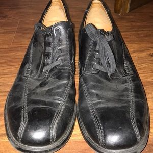 Black dress shoe with stitching details